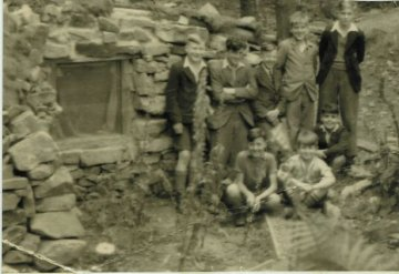 Derby pupils at Amber Valley Camp in 1940